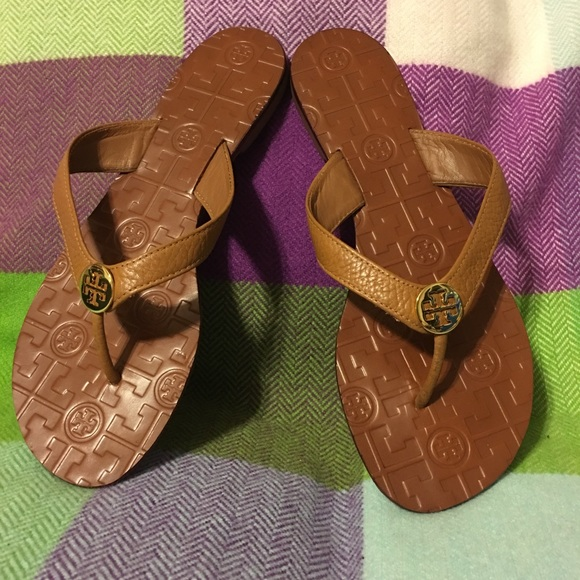 fe2739bb5ff Tory Burch Monroe Thong Sandals in Tan. M 5a92f545b7f72bcf1015bb0f